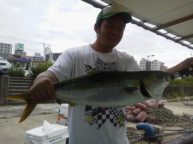 釣果は、ハマチ33本メジロ3本でした。